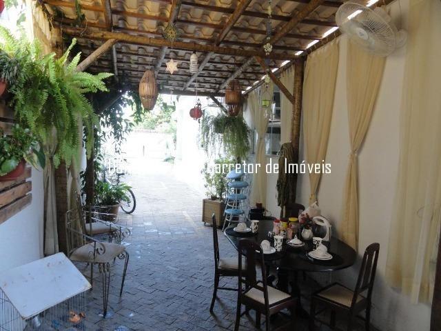 Casa lote inteiro e piscina no bairro Grã-Duquesa - Foto 2