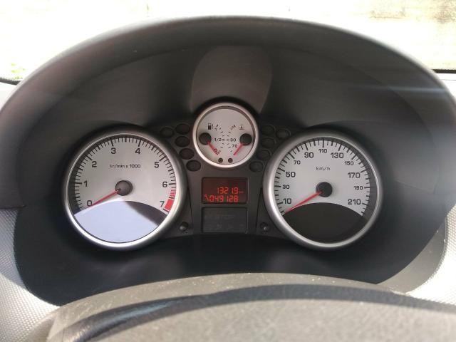 Peugeot 207 Ano 2011 - Foto 2