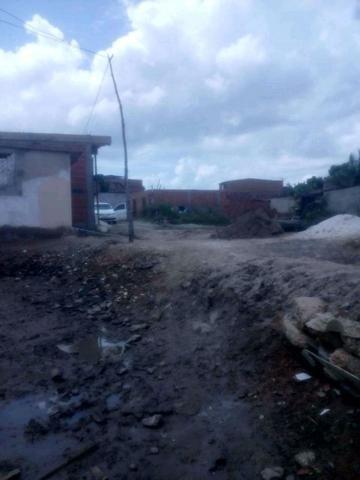 Terreno na maré rua Elshaday entrada de Santo estevão