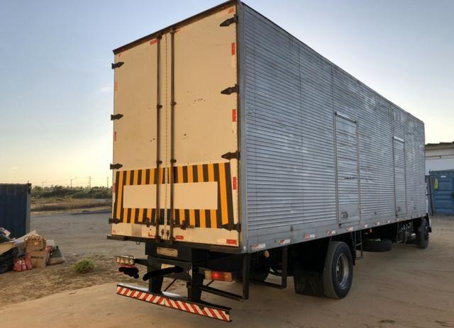 Caminhão mercedes 1718/2011 - Foto 5