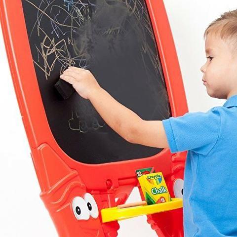 Lousa Infantil Crayola Dupla Face um Lado Giz Outro Caneta - Foto 2