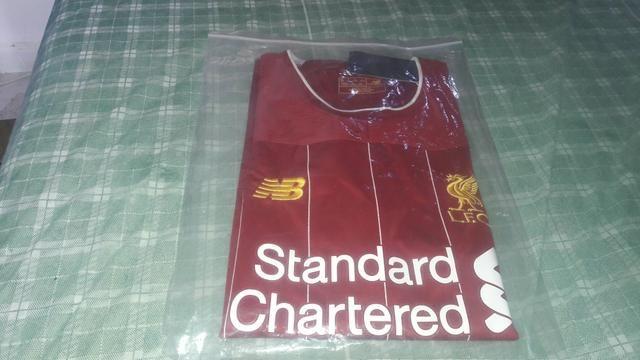 Camisa do liverpool e do Barcelona - Foto 2