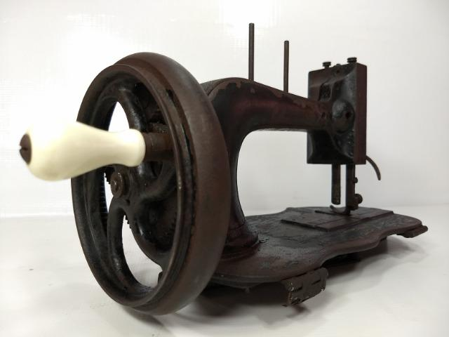 Antiga De Máquina Costura Manual Manivela Retro Vintage Raro - Foto 3
