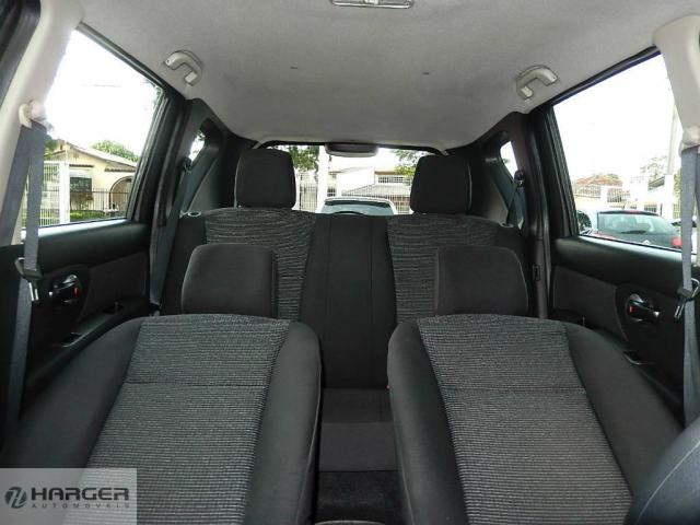 Nissan Livina 1.6S  - Foto 13