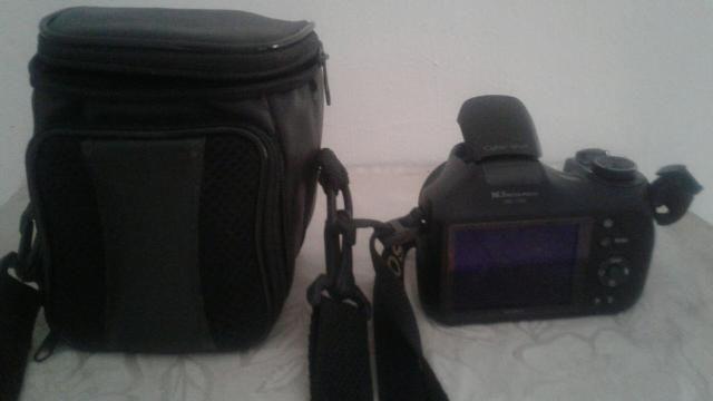Vendo câmera digital semi proficional sony - Foto 3