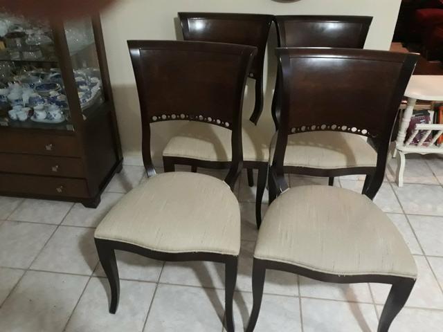 Mesa quadrada 100x100cm macica+4 cadeiras - Foto 2
