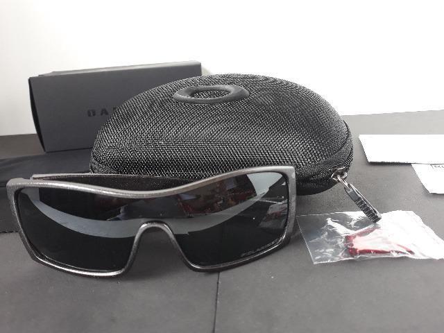 766124d66cbe0 Óculos Oakley Batwolf Cinza Polido Preto Iridium Polarizado - Importado e  Novo