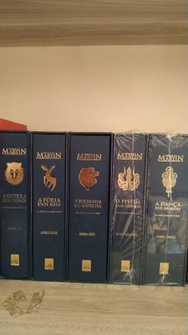 Coleção livros as crônicas de gelo e fogo (game of thrones) versão luxo
