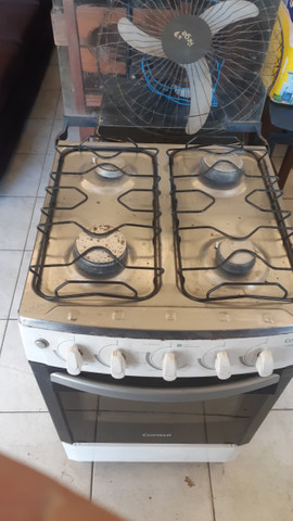 Vendo fogão 04 bocas cônsul