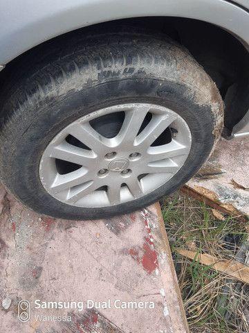 4 pneus com aros 15 Honda Civic  - Foto 4