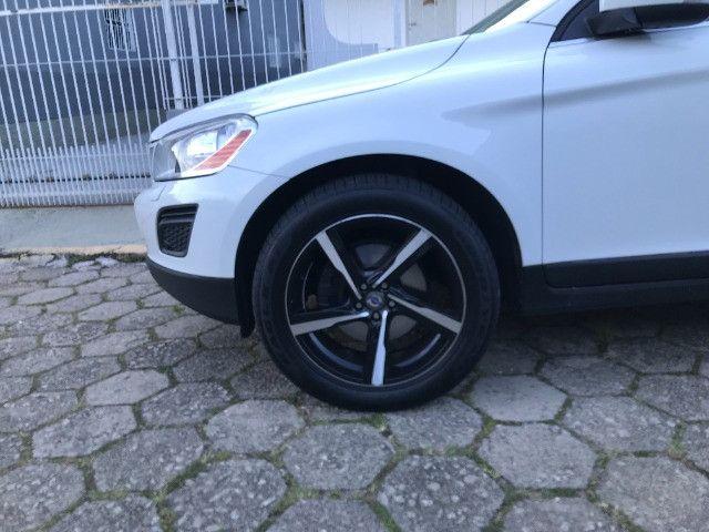 Roda 20 com pneus modelo Volvo XC60