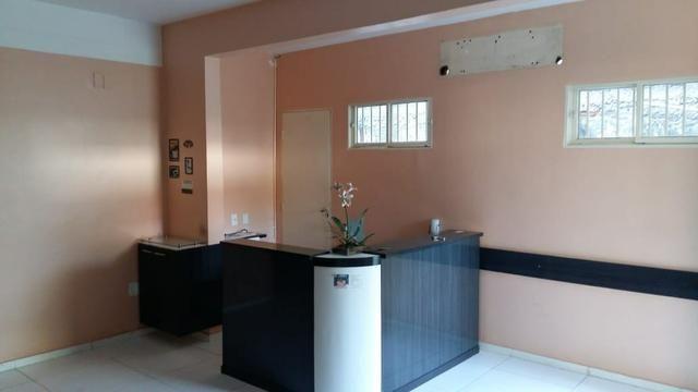 Casa no Centro - oportunidade - clínica - Foto 5