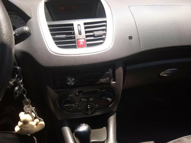 Peugeot 207 Ano 2011 - Foto 4