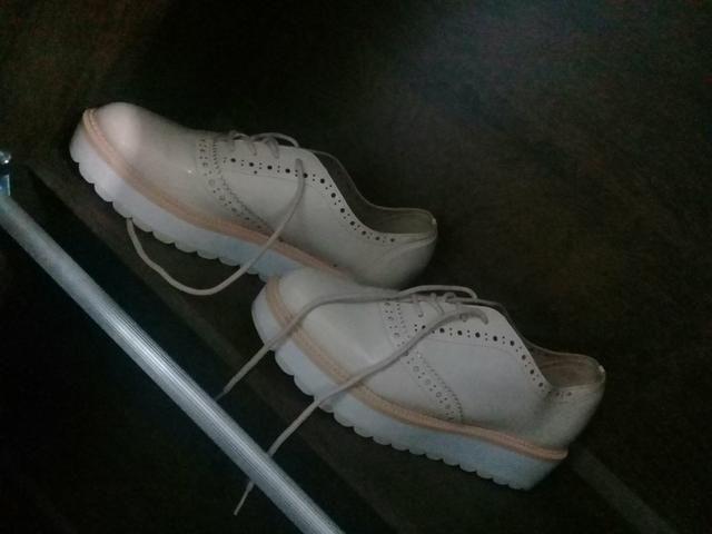 Vende-se sapato