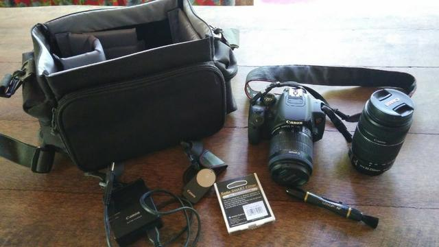 Kit Camera Digital Canon EOS Rebel T5i