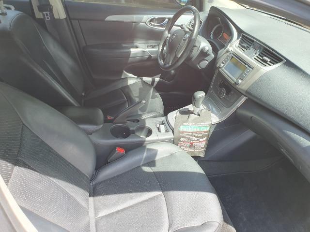 Nissan Sentra em excelente estado