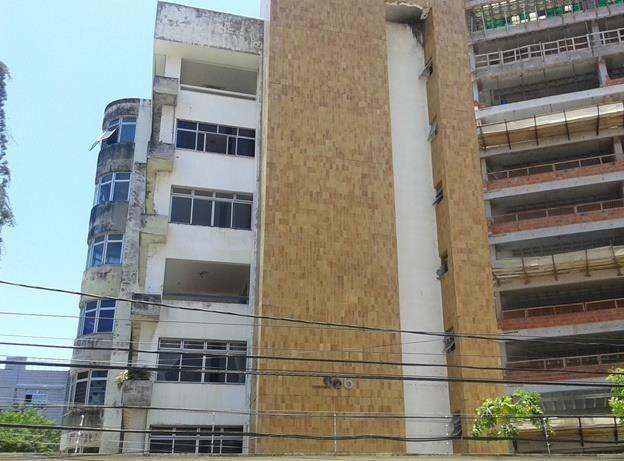 AP0601 Edifício Elos Seis, 3 suítes, 4 vagas, prédio com elevador e piscina, Cocó