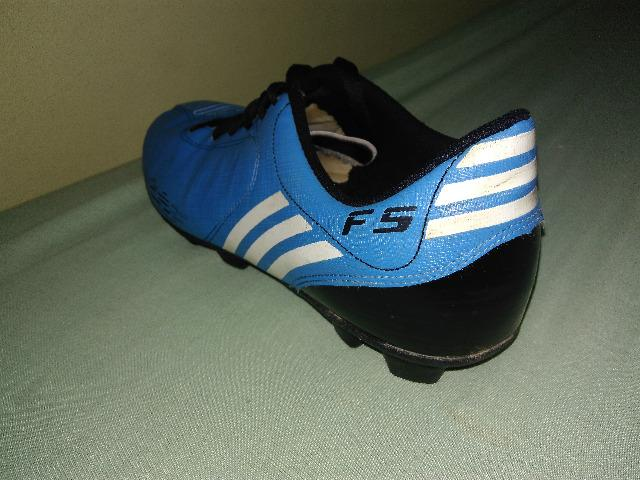 e17cde67ba Chuteira de Campo Adidas F5 Azul - Esportes e ginástica - Manhuaçu ...