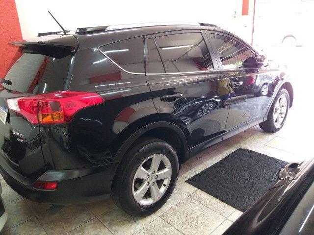 Toyota RAV4 Top 4X4 GNV troco e financio aceito carro ou moto  - Foto 2