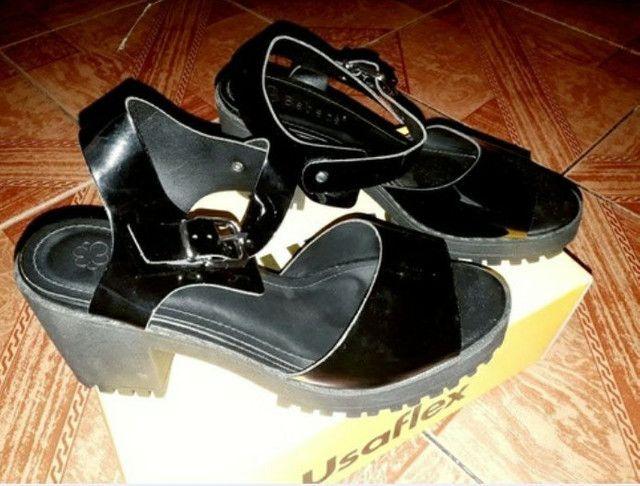 Sandália preta usaflex, tamanho 35/36. - Foto 2