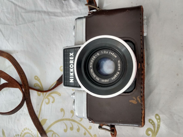 Máquina de fotografia antiga nikkorex R$ 350,00 whatsapp *