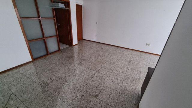 Apartamento de 126m², 3 suítes, 4 quartos, DCE, 3 vagas de garagem, Ponta Verde - Foto 2