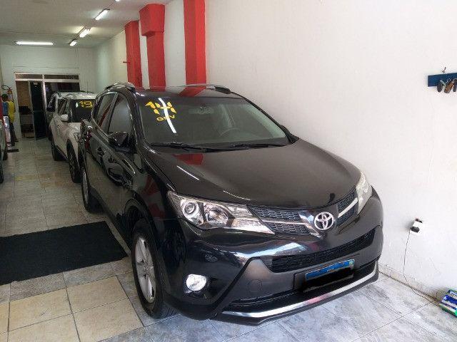 Toyota RAV4 Top 4X4 GNV troco e financio aceito carro ou moto