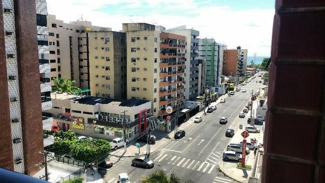Apartamento com 3Q suite, DCE, na ponta verde a uma quadra da praia