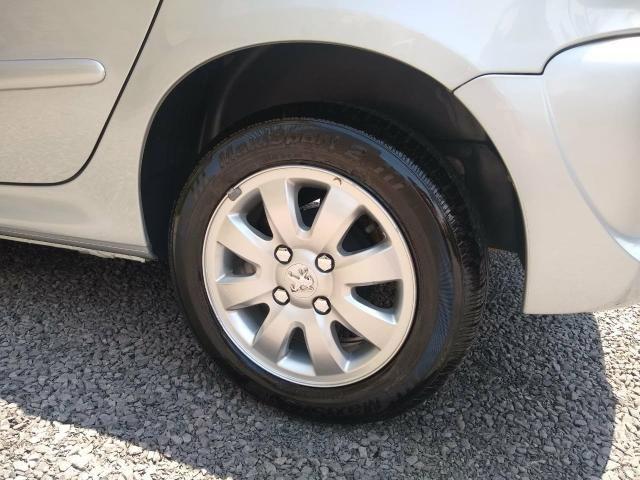 Peugeot 207 Ano 2011 - Foto 3