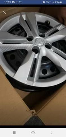 """Jogo de rodas de ferro 16"""" com pneus Michelin"""