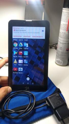 Tablet DL, 4GB, com cartão de 8GB, capa e carregador