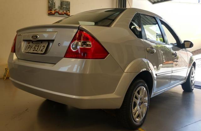 Fiesta sedan 1.0.$18.800 - Foto 2