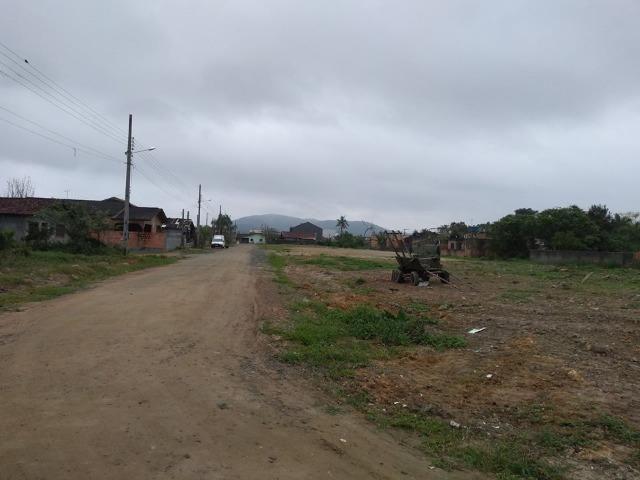 Terreno de esquina com 417 m² no Itinga -Entrada + parcelas direto c/ proprietário - Foto 3