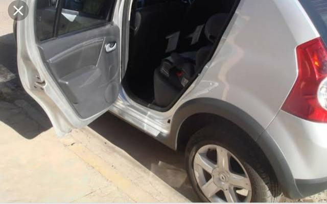 Vendo carro sandero stepway