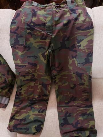 c44071f956 Uniforme Militar utilizado pelo Exército Americano (fabricado na França) -  peça raríssima