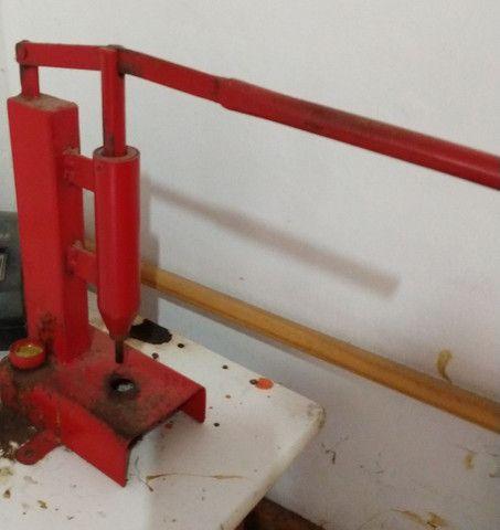 Maquina de fazer chinelos - Foto 2