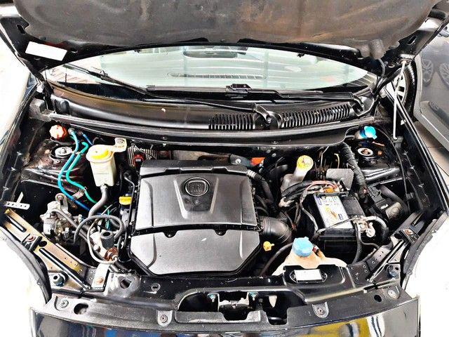 Palio Essence 1.6 2014 com kit gás  - Foto 9