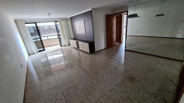 Apartamento de 126m², 3 suítes, 4 quartos, DCE, 3 vagas de garagem, Ponta Verde