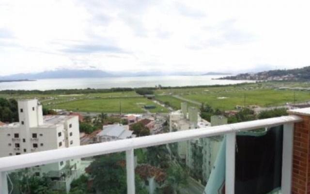 Apartamento novo, nunca habitado, com vista para o mar no Pantanal. Próximo a UFSC!