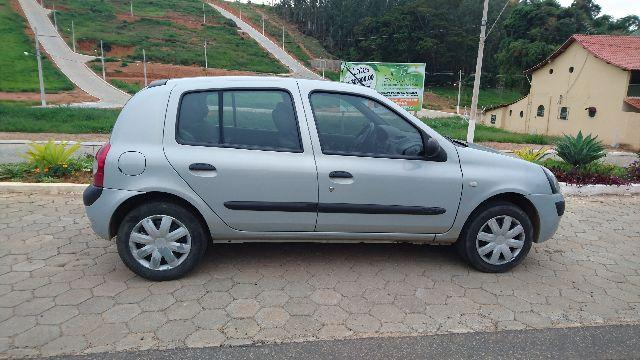 clio 1 6 hatch 4 pneus novos 2004 carros ub minas gerais olx. Black Bedroom Furniture Sets. Home Design Ideas