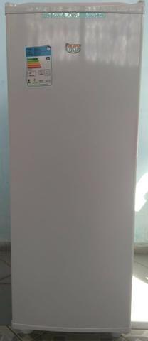Freezer Vertical Consul 121 L 127v