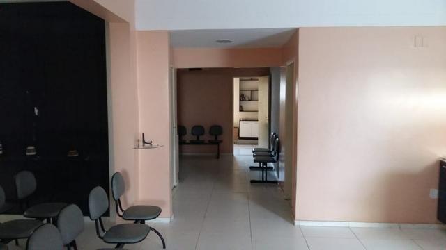 Casa no Centro - oportunidade - clínica - Foto 2