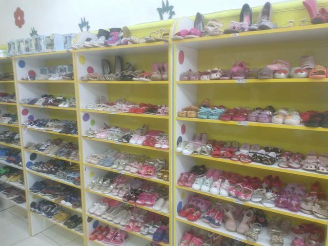 Compre venda ou troque roupas acessórios calçados brinquedos infantis - Foto 5