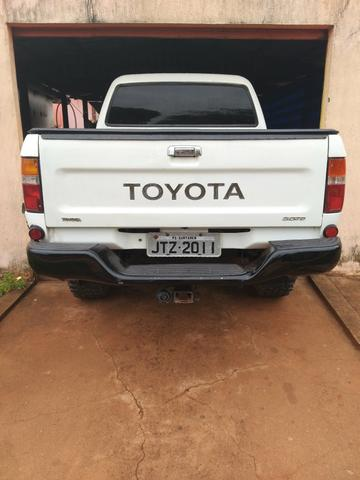 Toyota Hilux ano 2002 - Foto 2