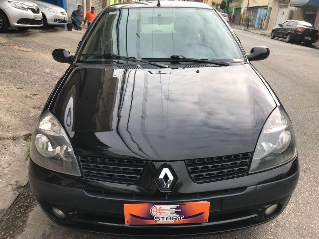 Renault - Clio Privilege 1.0 - 2004 - Foto 2