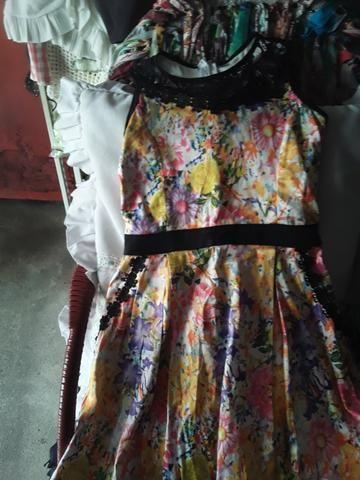 Vendo este lindo vestido crianca