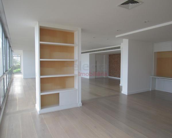 Apartamento de 330 m², lindo, na parte mais nobre e valorizada da Av. Vieira Souto, junto  - Foto 9