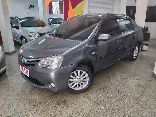 Toyota Etios 1.5 XLS Sedan Completo!!!