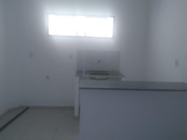 Apartamento novo com 01 suíte, condomínio fechado, próximo ao CEV, Bairro Ilhotas! - Foto 8