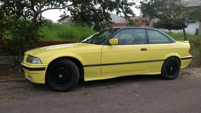 BMW 325 is Regino ano 1993